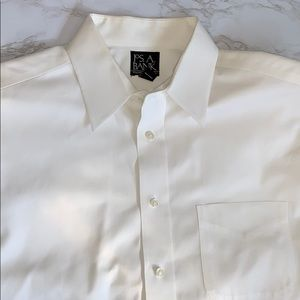 Tailored Fit Button Down Collared Dress Shirt